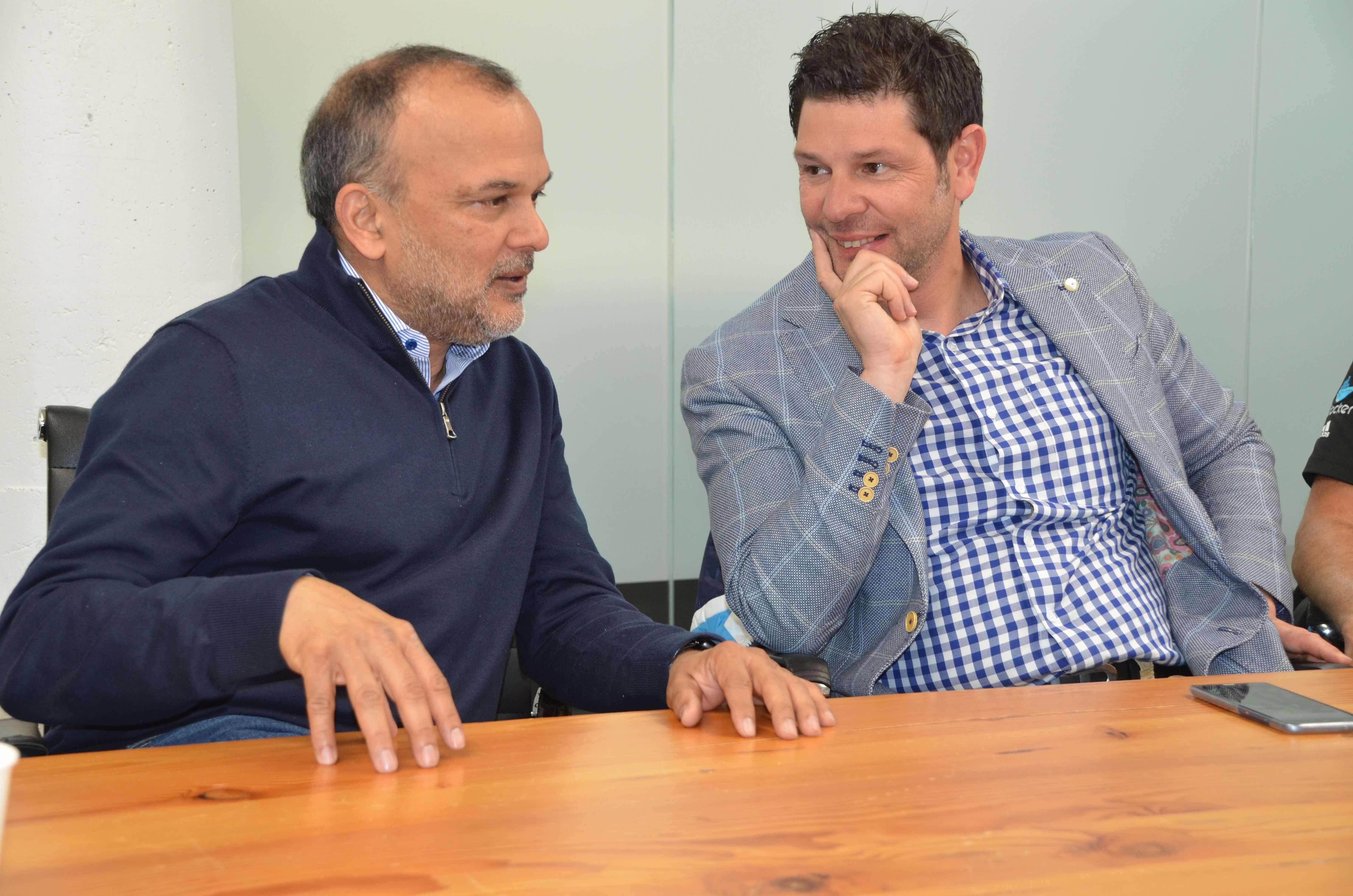Pascal-Schmid-CEO-netrics-im-Gespraech-mit-Docker-CEO-Steve-Singh-in-San-Francisco